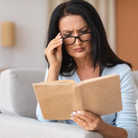Pogorszenie wzroku po 50. roku życia – Kliniki Okulistyczne Optegra